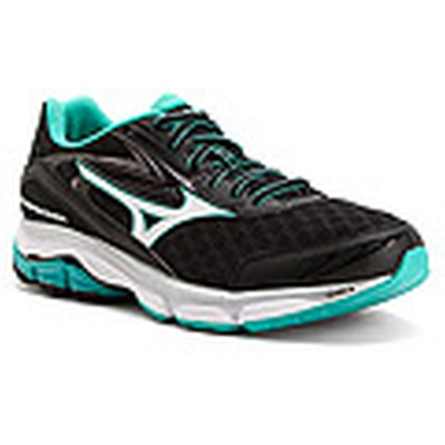 Wave Inspire 12 Running Shoes by Mizuno in Modern Family - Season 7 Episode 17