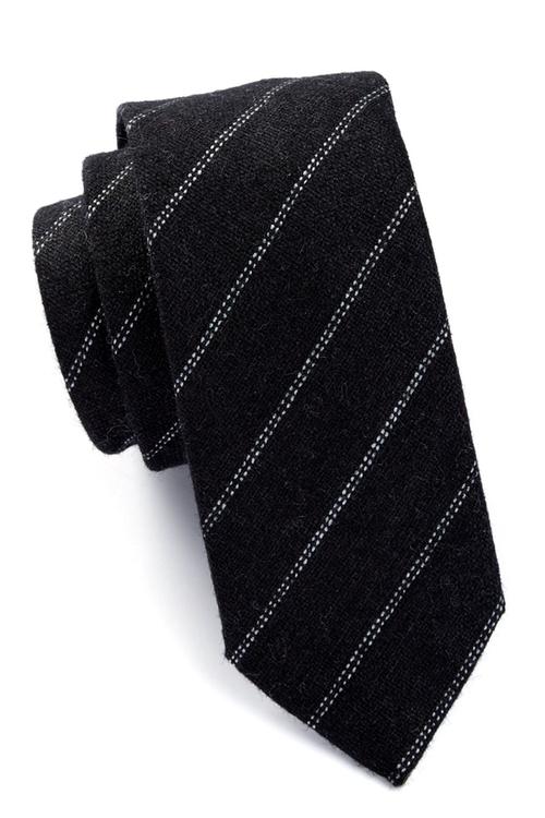 Key Stripe Tie by Original Penguin in The Blacklist - Season 3 Episode 6