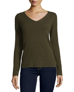 V-Neck Cashmere Pullover Sweater by Neiman Marcus Cashmere Collection in Guilt