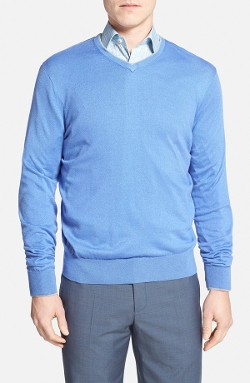 Tailored Fit Cotton & Cashmere V-Neck Sweater by Maker & Company in Entourage