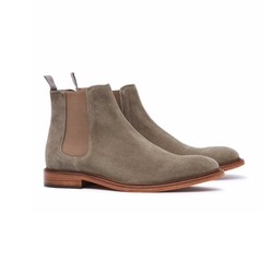 Tenor Suede Chelsea Boots by Reiss in Master of None