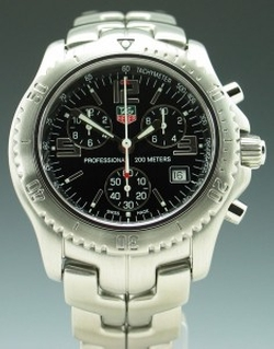 Link Chronograph CT1111 Watch by TAG Heuer in The Bourne Ultimatum