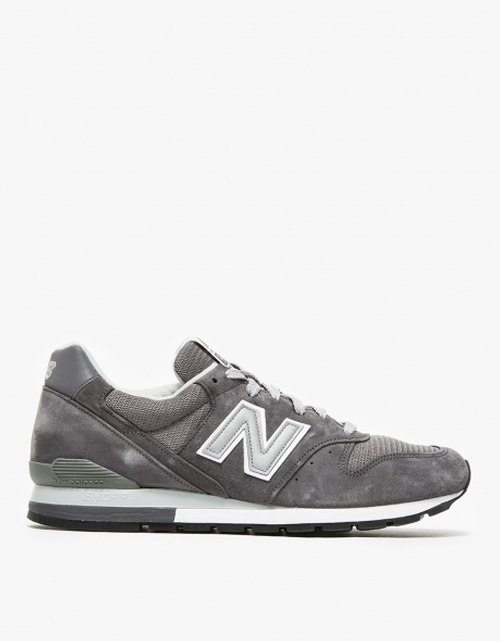 Classic Low Top Sneakers by New Balance in Ballers - Season 1 Episode 7
