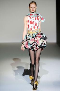 Spring 2010 RTW Print Cherry Dress by Moschino  in Gossip Girl