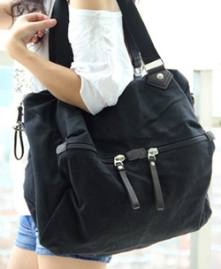 Black Oversized Canvas Shoulder Bag with Leather Zip Pull Pockets by Chicnova in Pitch Perfect 2