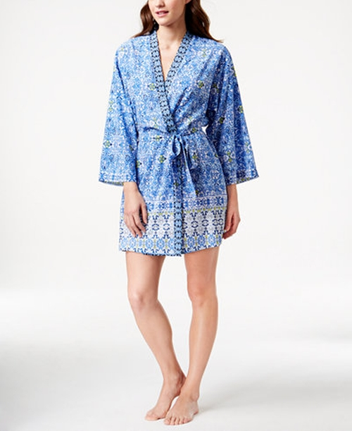 Short Kimono-Sleeve Wrap Robe by Oscar de la Renta in Unbreakable Kimmy Schmidt - Season 2 Episode 2