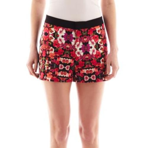 Print Shorts by Nicole Miller in Dolphin Tale 2