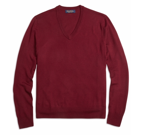 Saxxon Wool V-Neck Sweater by Brooks Brothers in The Flash - Season 2 Episode 21