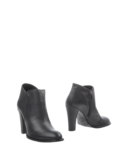 Ankle Boots by Bourne in The Vampire Diaries - Season 7 Episode 7