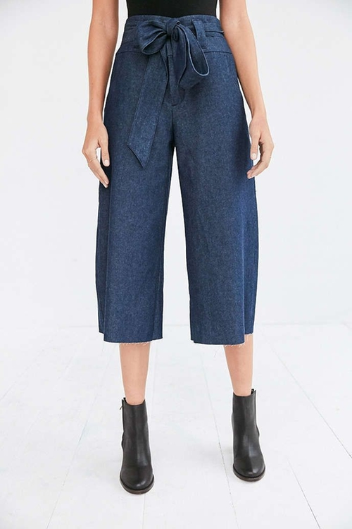 Naomi Cropped Tie-waist Pants by Cooperative in Pretty Little Liars - Season 7 Episode 5