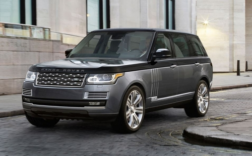 Range Rover SUV by Land Rover in Keeping Up With The Kardashians - Season 11 Episode 10