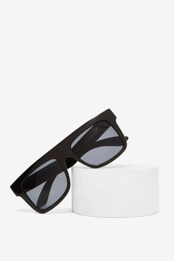 Virtex Block Shades by Nasty Gal in Keeping Up With The Kardashians