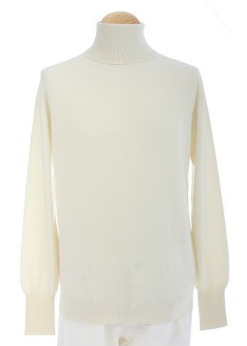 Men's Turtleneck Cashmere Sweater by Shephe in The Spy Who Loved Me