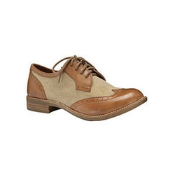 Wing-Tip Oxford Shoes by Gianni Bini in Pitch Perfect 2
