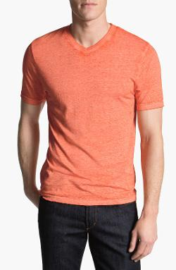 V-Neck T-Shirt by Red Jacket in Horrible Bosses 2