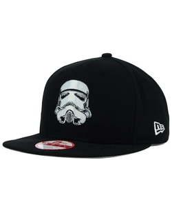 Chicago White Sox  Snapback Cap by New Era in Scout's Guide to the Zombie Apocalypse