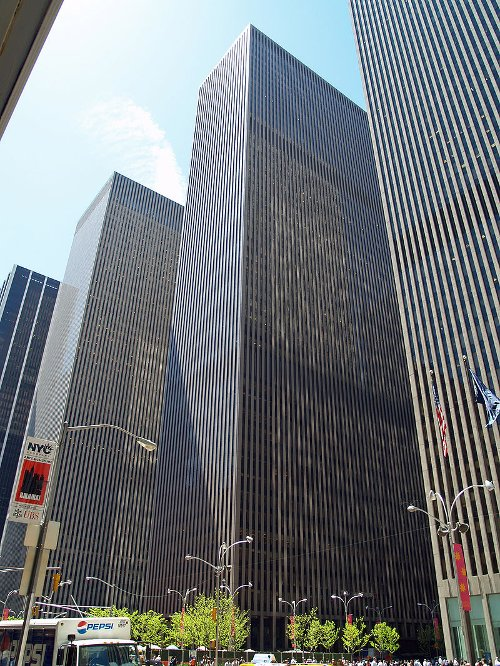 1221 Avenue of the Americas New York City, New York in The Devil Wears Prada
