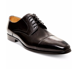 Milnerr Oxford Shoes by Steve Madden in War Dogs