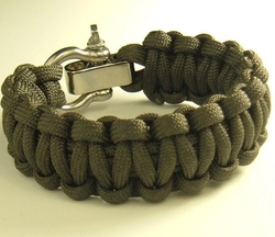Adjustable Shackle Paracord Survival Bracelet by Para-Cord-Belts in Mad Max: Fury Road