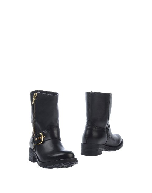 Zip Closure Ankle Boots by Cult in Pitch Perfect 2
