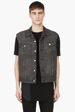 WASHED BLACK DENIM CUT-OFF NEW TRUCKER VEST by LEVI'S in Sabotage