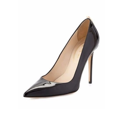 Patent Point-Toe Pumps by Sarah Jessica Parker in Mr. Robot
