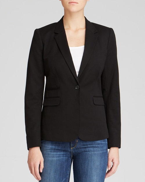 One Button Blazer by Vince Camuto in The Vampire Diaries - Season 7 Episode 6