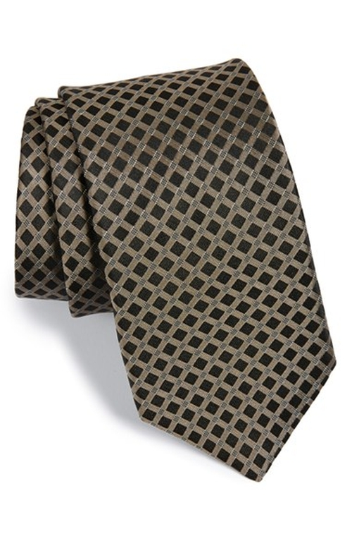 'Checkmate' Silk Tie by Michael Kors in Confessions of a Shopaholic