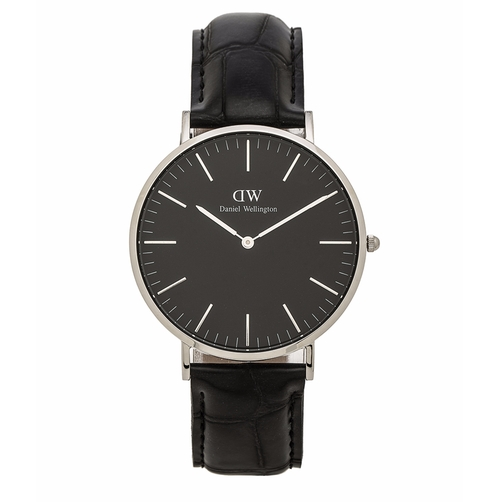 Classic Reading Watch by Daniel Wellington in The Great Indoors - Season 1 Preview