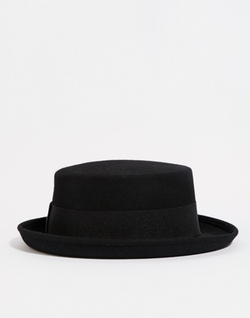 Pork Pie Hat by Catarzi in Modern Family