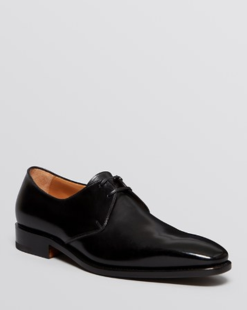 Tramezza Nesio Derby Oxford Shoes by Salvatore Ferragamo in Suits - Season 5 Episode 1