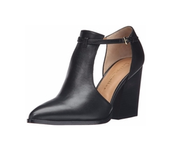 Bmb Karns Dress Pumps by Bettye Muller in Quantico
