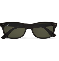 Wayfarer Folding Acetate Sunglasses by Ray-Ban in Modern Family