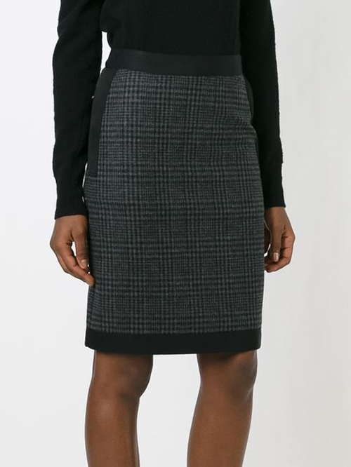 Pencil Skirt by Lanvin in The Good Wife - Season 7 Episode 5