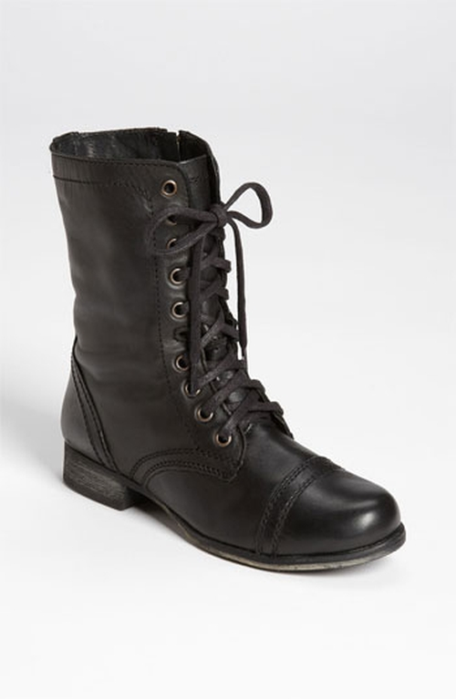 Troopa Boots by Steve Madden in Quantico - Season 1 Episode 10