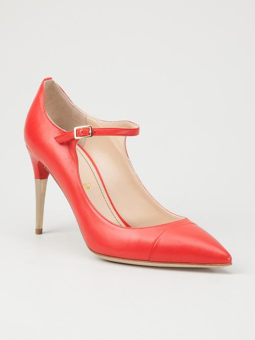 'Vierre' pump by JEROME ROUSSEAU in The Wolf of Wall Street