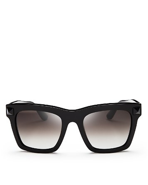 Rockstud Oversized Square Sunglasses by Valentino in Keeping Up With The Kardashians - Season 11 Episode 9