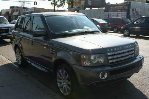 2006 Range Rover Sport SUV by Land Rover in Safe House