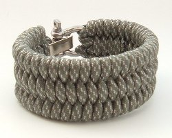 Shackle Ladder Style Survival Bracelet by Para-Cord-Belts in Need for Speed