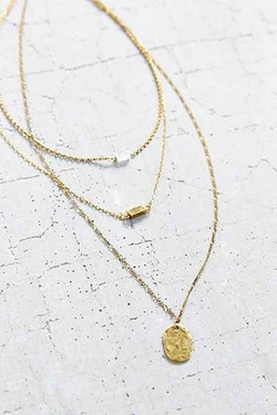For Keeps Crystal LayeringNecklace by Urban Outfitters in Scream Queens