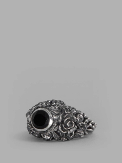 Onyx Ring by Ugo Cacciatori in Suits