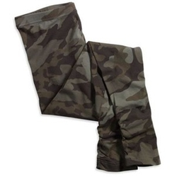 Camo Cuff Pants by American Eagle in Pitch Perfect 2