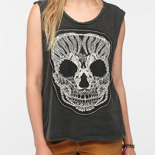 Lace Skull Muscle T-Shirt by Truly Madly Deeply  in Pretty Little Liars - Season 6 Episode 15