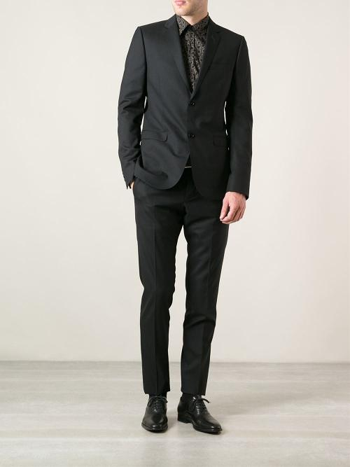 Classic Suit by Gucci in A Good Day to Die Hard