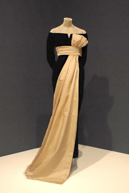 Robe du soir « Soirée de Paris », Haute Couture 1955/1956 by Christian Dior in Yves Saint Laurent