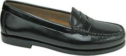 Wayfarer Shoes by Bass in The Big Bang Theory