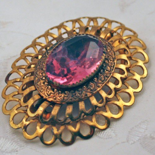 Brass Filigree Brooch by Missvictoriasvintage in (500) Days of Summer