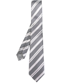 Striped Tie by Armani Collezioni in Mission: Impossible - Ghost Protocol