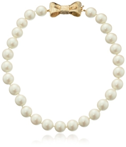 """All Wrapped Up"" Simulated Pearl Necklace by Kate Spade New York in The Good Wife"