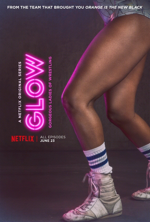 Fashion and Locations in Glow